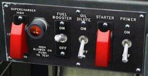 TF-51D エンジンコントロールパネル